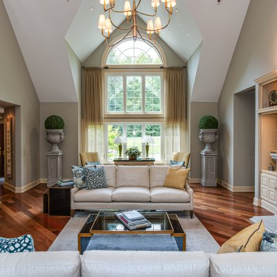 great room with view of front circle