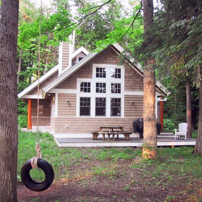 Michigan cottage on wooded lakefront lot Wilcox Architecture