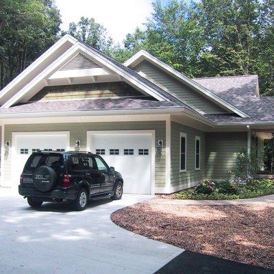Garage side new residence